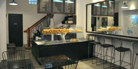 TravelGay anbefaling Journeys Sandwich Cafe