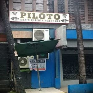 PILOTO Men's Entertainment Bar