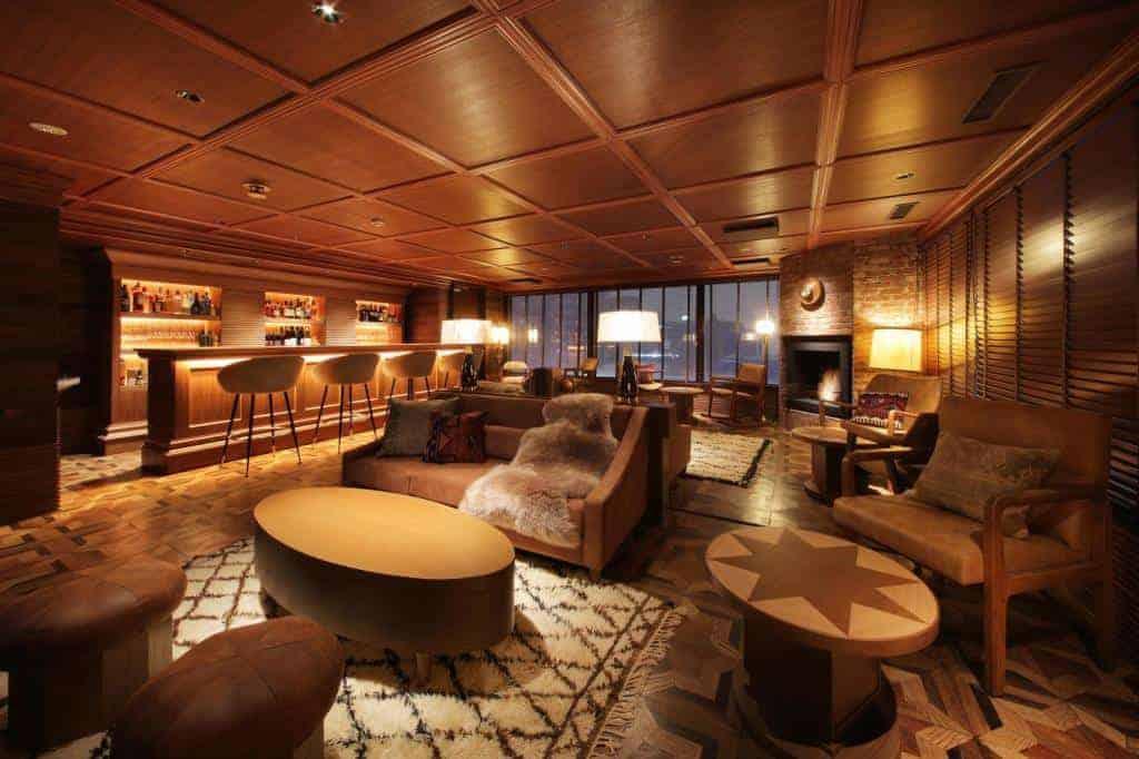 Unwind Hotel & Bar