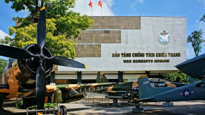Uden for museet i Ho Chi Minh-byen