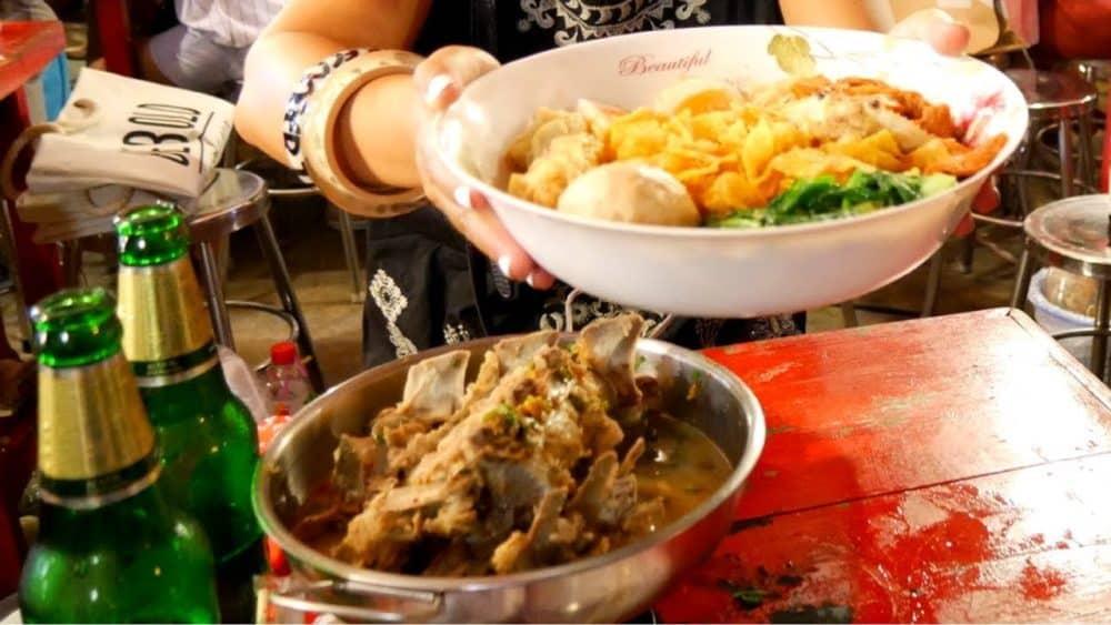 Rot Fai Street Food