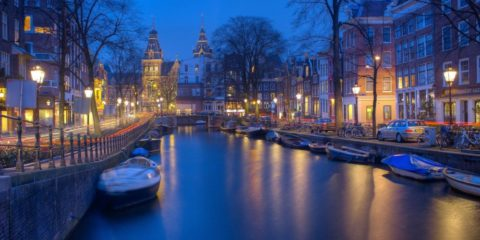 Amsterdam kanalene om natten