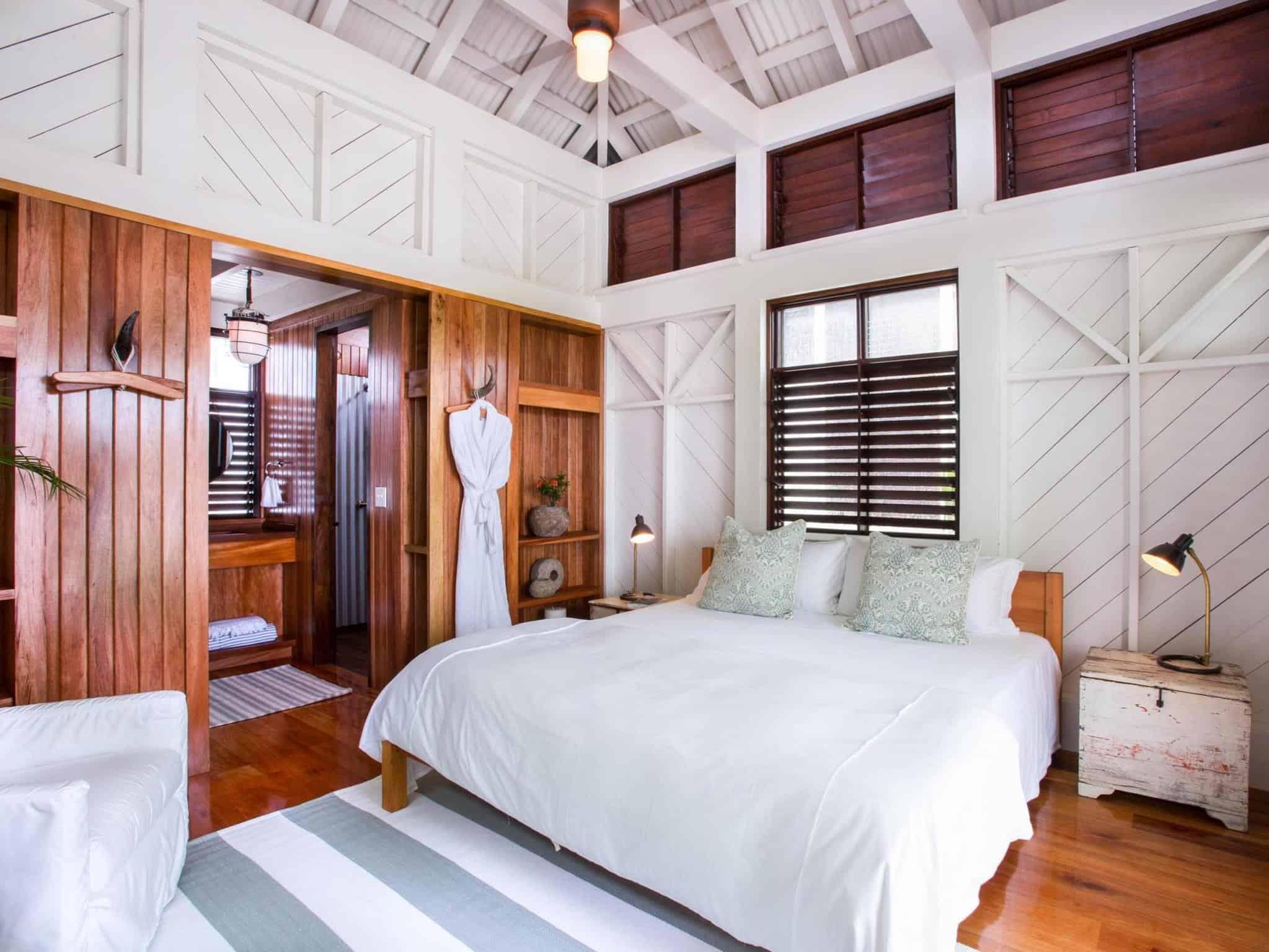 immagine di Mahogany Bay Resort & Beach Club, Curio Collection by Hilton