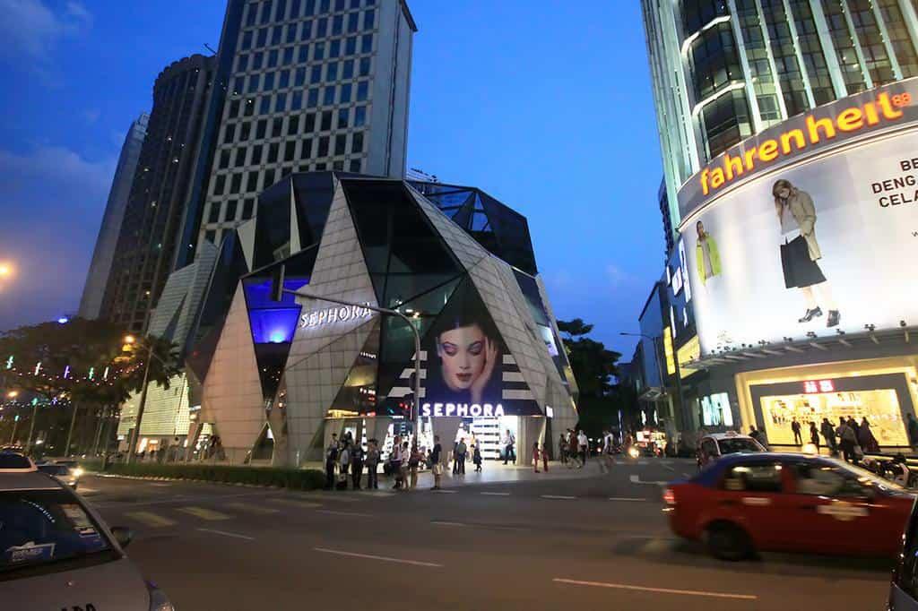Kuala Lumpur · Mid-Range + Budget Hotels