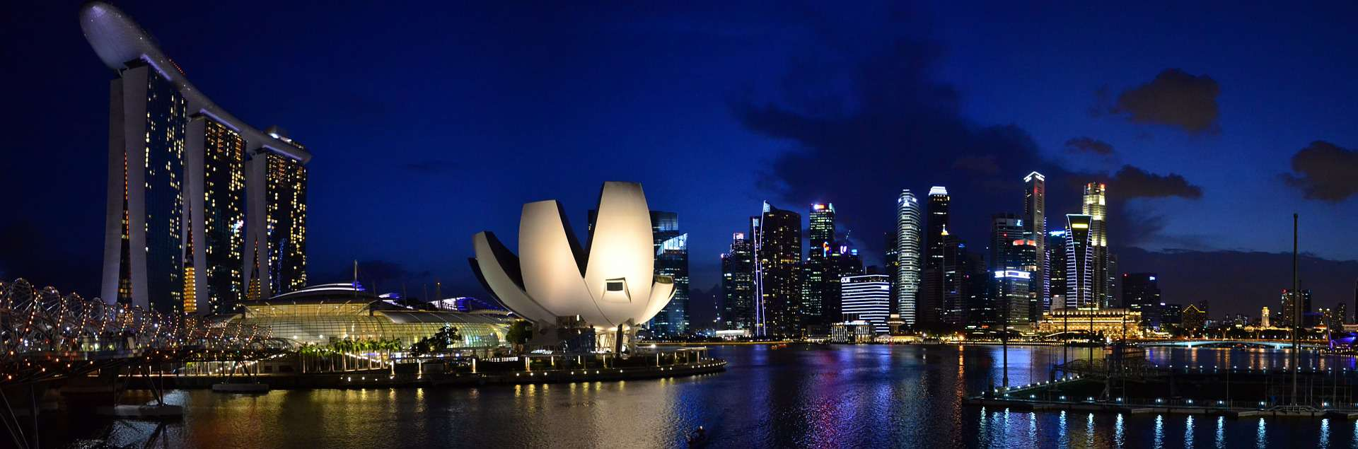 Gay Singapore · Luxury Hotels