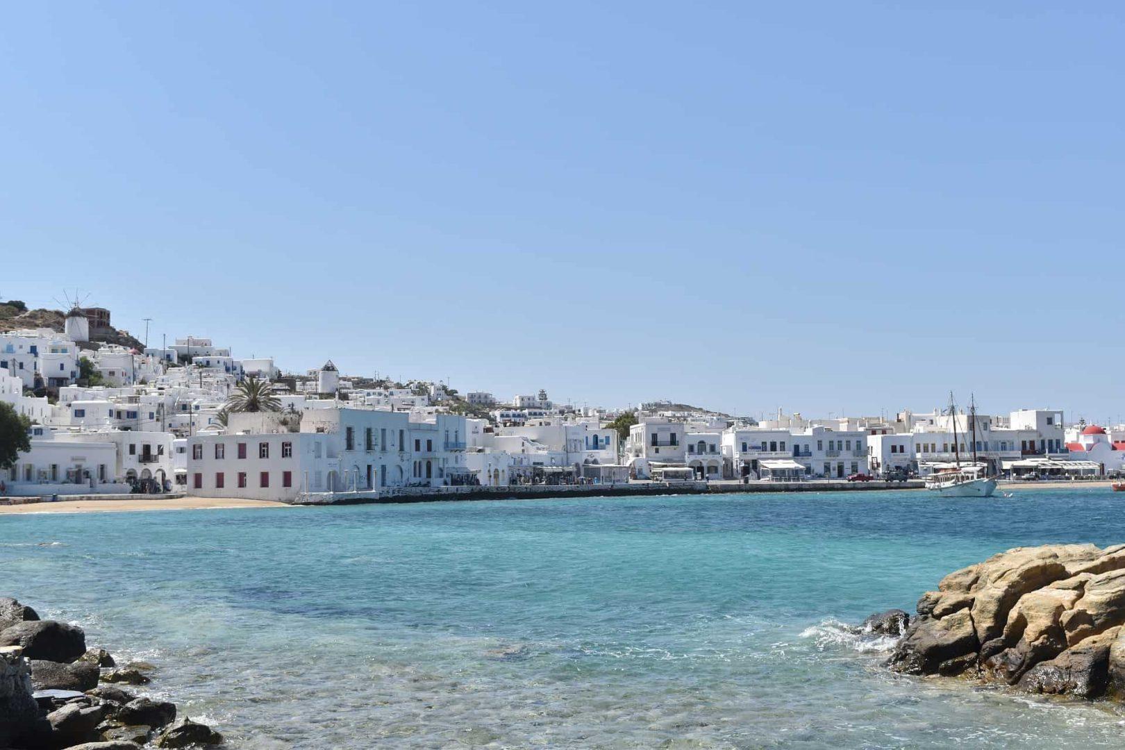 Gay Mykonos · Mellomklasse + budsjetthoteller