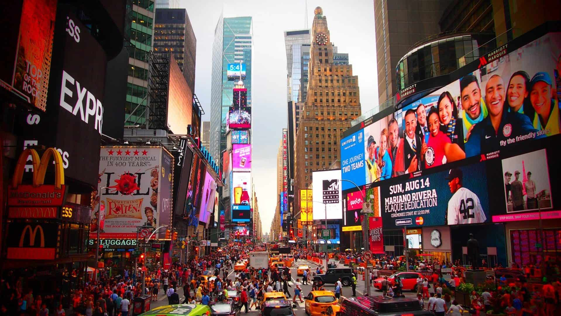 Gay New York · Mellemklasse + budgethoteller