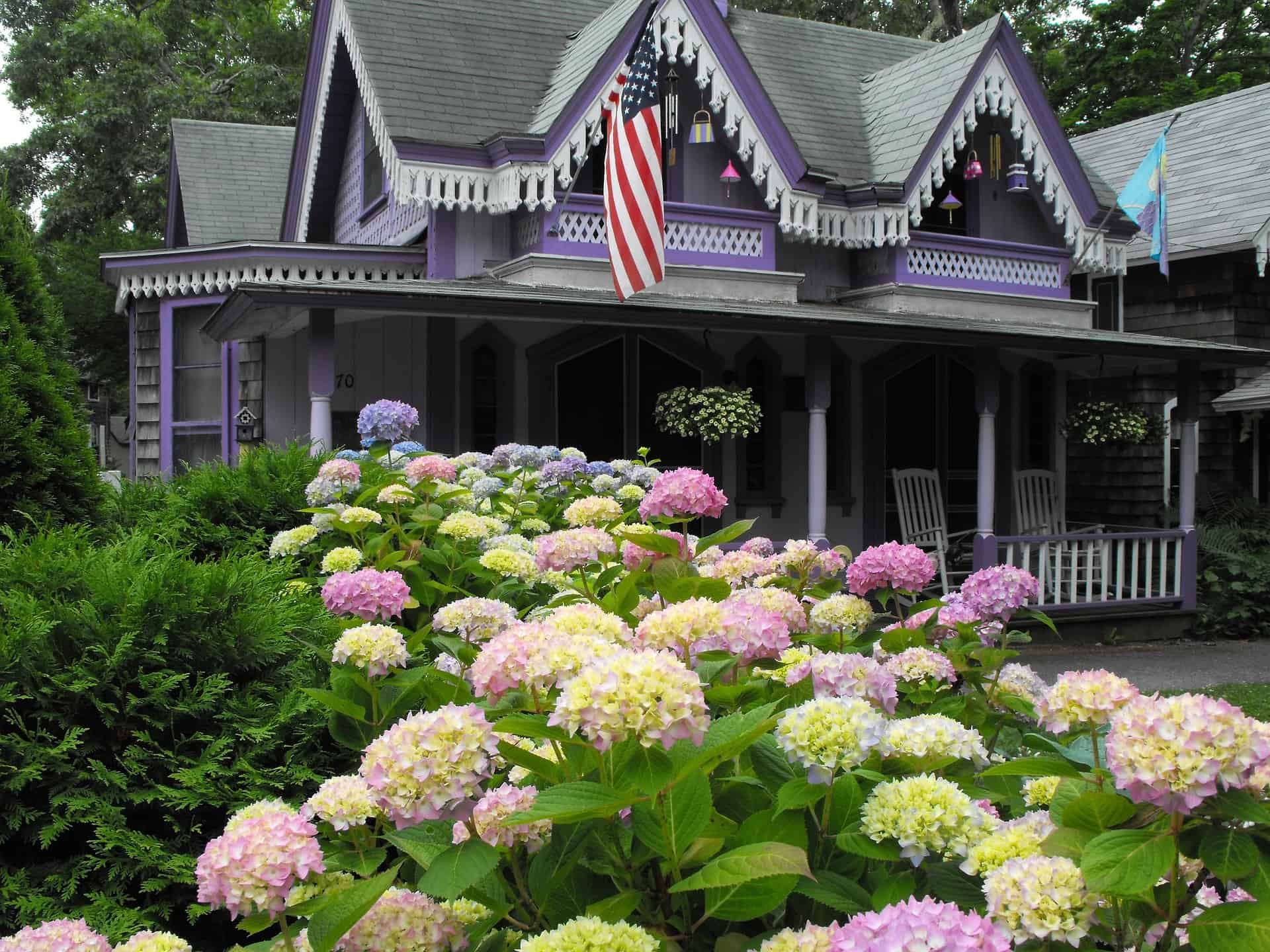 Martha's Vineyard Gay Guide and Hotels