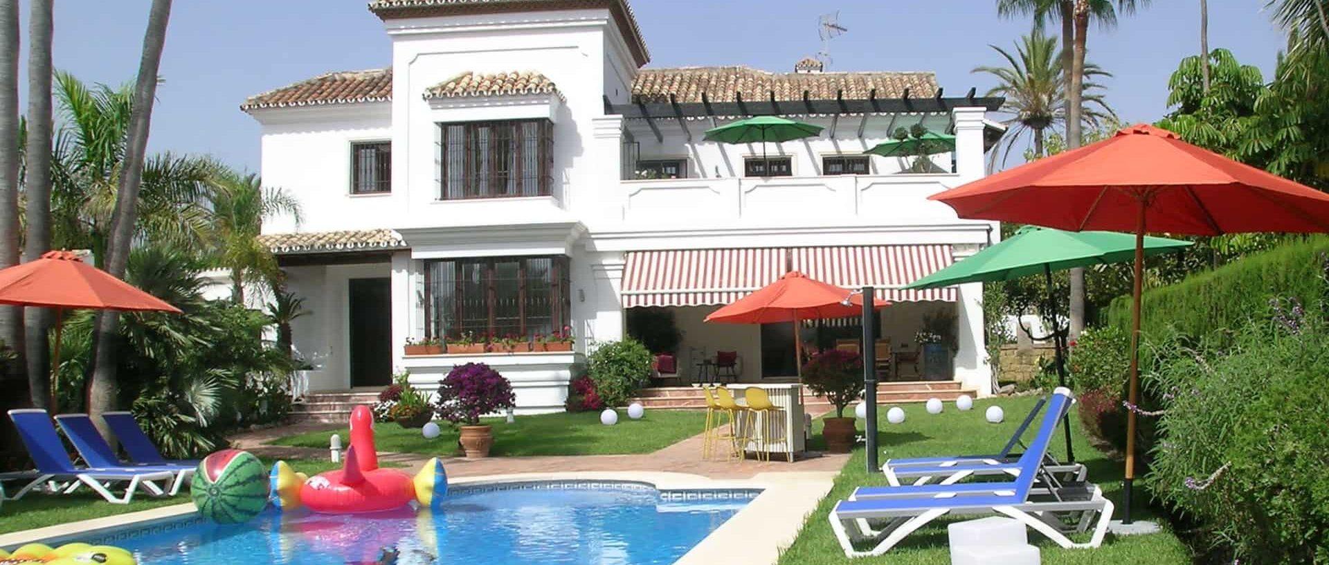 TravelGay recommendation La Perla Miguel