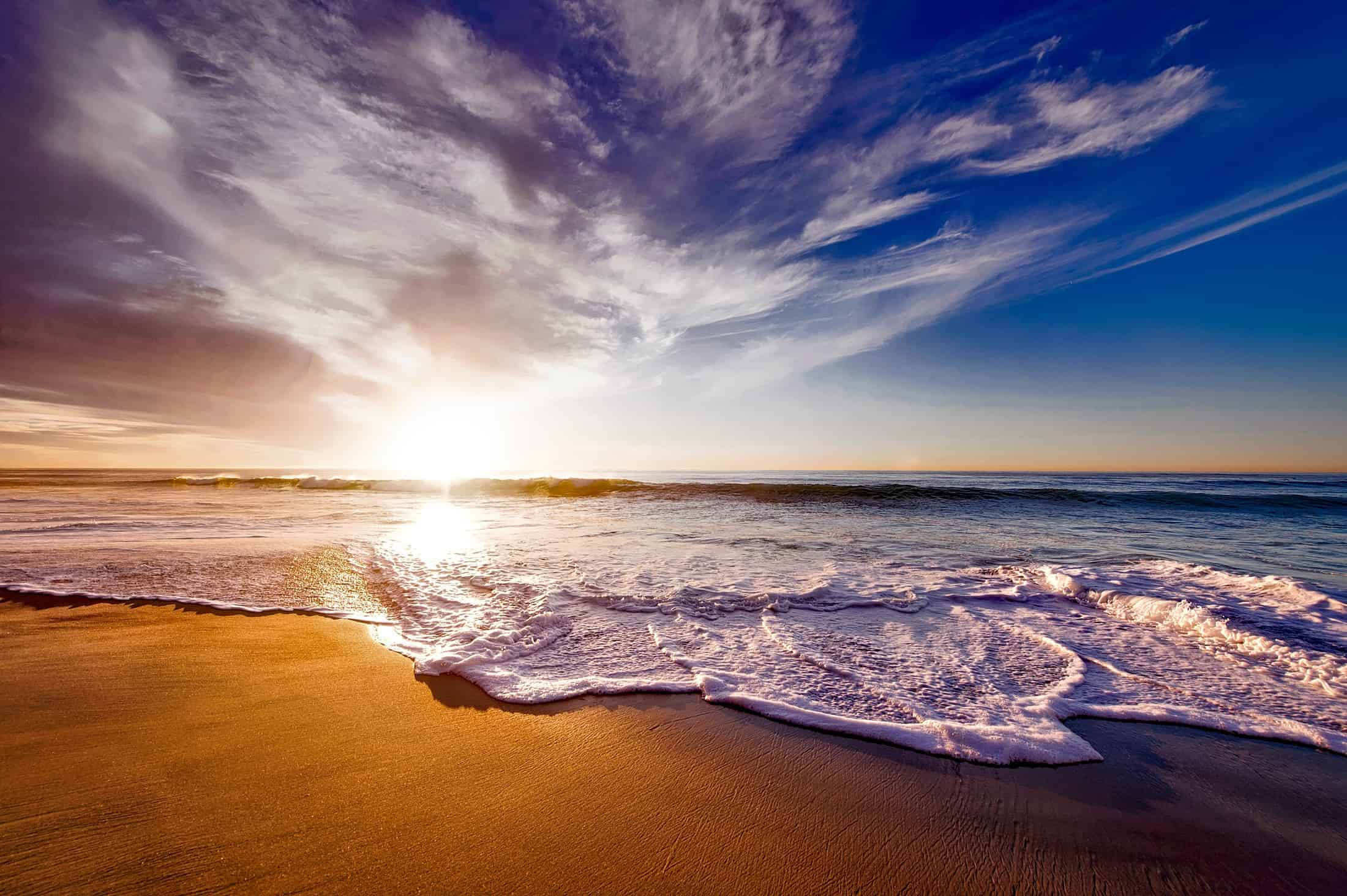 Pantai Mar Bella - pantai telanjang