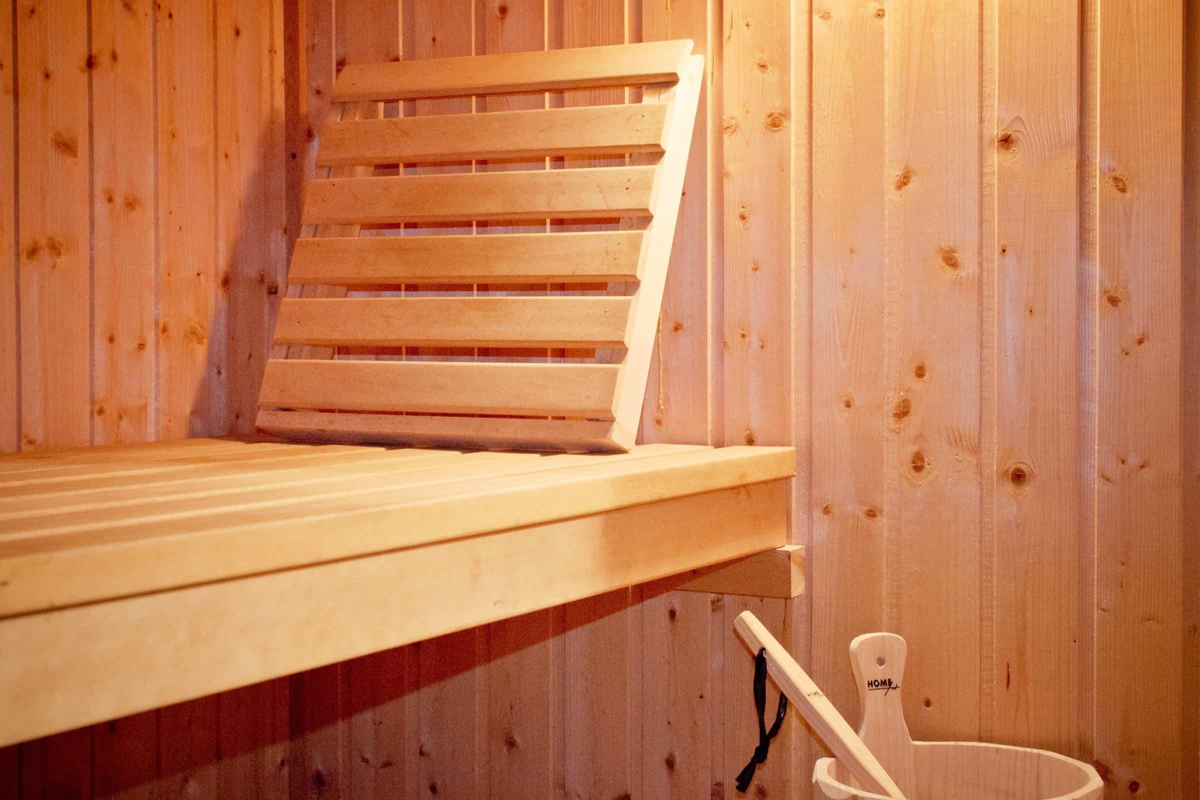 Sauna, Holzbank, Holzsauna